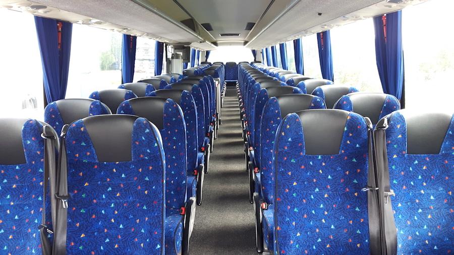 Reisebus mit 65 Fahrgastsitzen