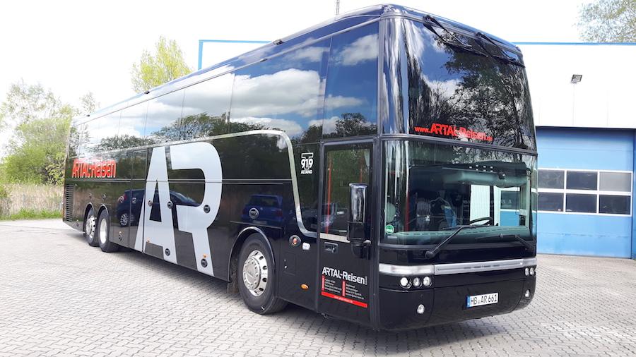 Reisebus mit 69 Fahrgastsitzen