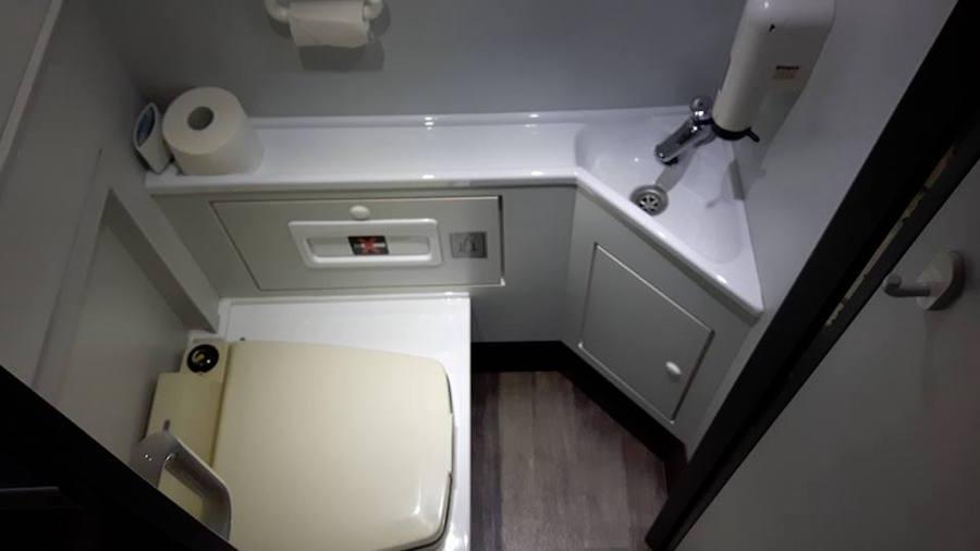 Bus mit Toilette